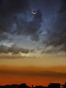 moon-2663843_1280